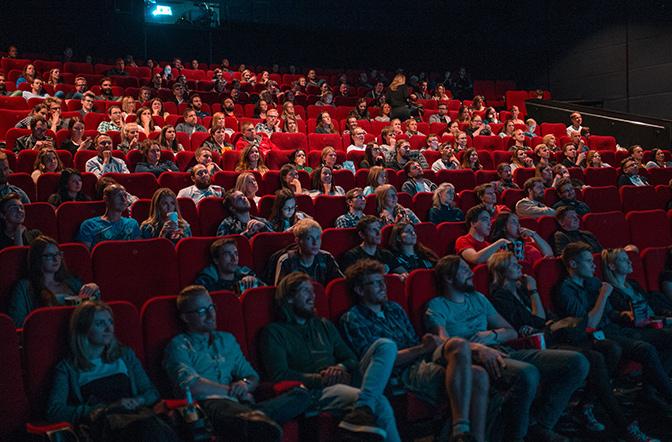 Onde encontro os ingressos de cinema?