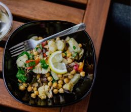 Chickpea salad as a healthy lunch idea for work