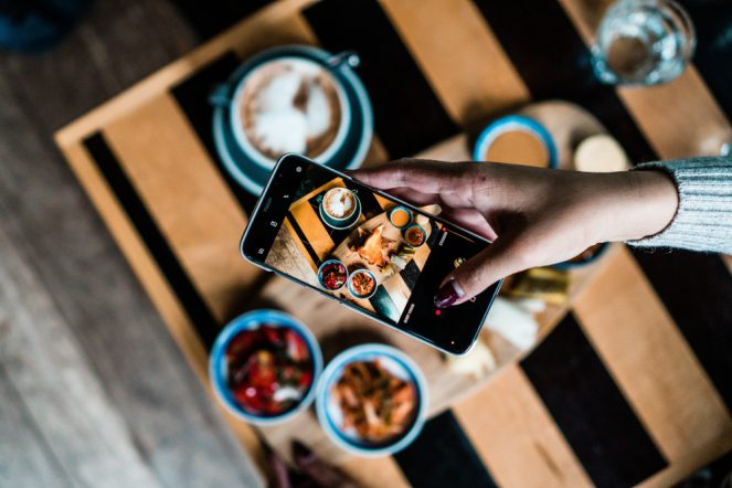 Taking picture of food - data in daily life