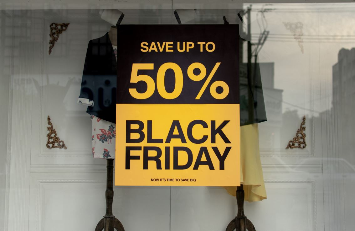 Discounts are a sure way of grabbing our attention. But remember to compare prices anyway and remember that this is not your last chance.